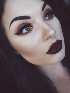 Red Copper Gorgeous blend Eye Makeup Thick Winged Liner Vampire Red Matte Lips Perfect Brows