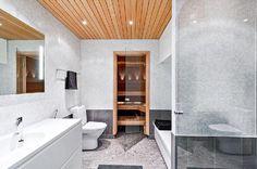 Myydään Kerrostalo 5 huonetta - Helsinki Katajanokka Luotsikatu 9 - Etuovi.com 9595983 Helsinki, Bathtub, Bathroom, Standing Bath, Washroom, Bathtubs, Bath Tube, Full Bath, Bath