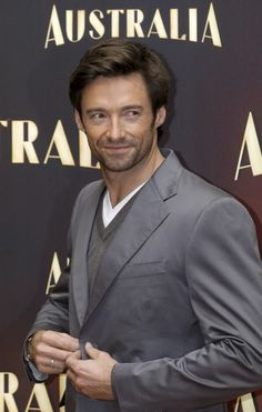 Hugh promoting Australia in Madrid, 12/03/2008.