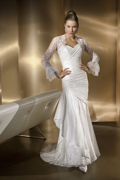 Hot Sale Sweetheart Mermaid Lace Ruched Satin Chapel Train Wedding Garments