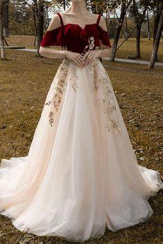 Cute Prom Dresses, Elegant Dresses, Pretty Dresses, Beautiful Dresses, Stylish Dresses, Wedding Gown Sizes, Wedding Gowns, Fantasy Gowns, Fairytale Dress