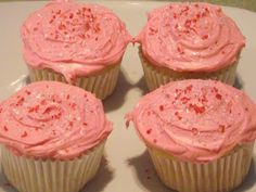 #Glutenfree  White Cupcakes are a good staple cupcake for Birthdays, School Parties, Weekend Parties, Baby Showers, Holidays and more.