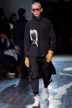 Yohji Yamamoto Fall 2016 Menswear Fashion Show
