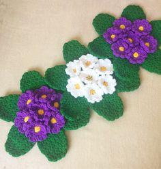 "486 Beğenme, 10 Yorum - Instagram'da Melek (@renklilif): ""بِسْــــــــــــــــــــــمِ اﷲِارَّحْمَنِ ارَّحِيم  Selâmün Aleyküm  Dostlar gunüz musmutlu geçsin…"" Crochet Flowers, Elsa, Crochet Necklace, Arts And Crafts, Kawaii, Artwork, Diy, Instagram, Crochet Stitches"
