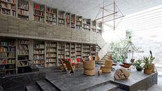 1-casa-diseno-arquitecto-paredes-y-estanterias-hormigon