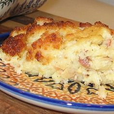 This Polish potato pie recipe—baba kartoflana or kartoflak—is similar to Lithuanian kugelis, and uses grated potatoes, lots of bacon and eggs. Polish potato pie is a savory dish that can be cut into wedges or slices and garnished with Lithuanian Recipes, Ukrainian Recipes, Hungarian Recipes, Russian Recipes, Lithuanian Food, Ukrainian Food, Russian Foods, Czech Recipes, German Recipes