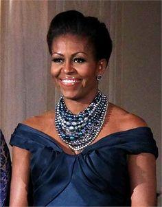 Michelle Obama con collana Tom Binns