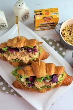 Sandwich cu avocado si pui - Retete culinare by Teo's Kitchen Avocado, Sandwiches, Cooking, Kitchen, Recipes, Food, Roll Up Sandwiches, Meal, Kochen
