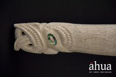 Patiti (hatchet) | Ahua Māori Art Gallery | NZ Maori Arts and Crafts Art Maori, Maori Words, Polynesian People, Maori People, Nz Art, Amazing Drawings, Bone Carving, Fashion Art, Bones