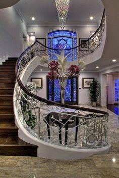 Ideas house entrance architecture grand staircase for 2020 Grand Staircase, Staircase Design, Staircase Ideas, Stair Design, Black Staircase, Luxury Staircase, Curved Staircase, Spiral Staircases, Hotel Decor