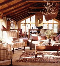 Browse our collection of living room styles—traditional to contemporary, rustic to elegant—for ideas to inspire your decorating.