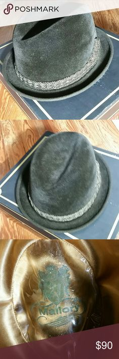 Vintage Mallory Fedora Black felt, silk ribbon band. Satin lined, two small nicks in leather sweat band as pictured, slight smoke smell - which gives it a more vintage essence Mallory Accessories Hats