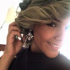 Siguiendo de cerca a Mex_Alex en Lima! Ella lleva unos aretes de nuestra colección y se ve hermosisima como siempre! #Repost @mex_alex with @repostapp. ・・・ Lista para #lookcyzone2015  aretes de @redqueenjoyeria ✨ #mexalexinlima