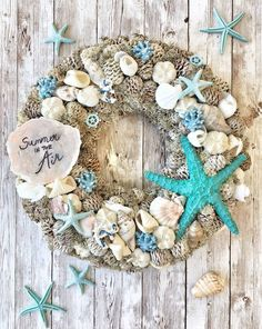 Seashell Wreath, Seashell Crafts, Outside Christmas Decorations, Christmas Wreaths, Driftwood Christmas Tree, Shell Decorations, Summer Deco, Cardboard Crafts, Fall Flowers