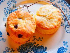 scones,plate
