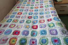Sweet Pea afghan - general instructions for this motif given on bottom of Ravelry page . . . .   ღTrish W ~ http://www.pinterest.com/trishw/  . . . .     #crochet #blanket #throw #granny_square