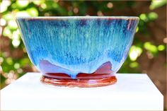 Pottery That Sells Well - 9 Pieces All Potters Should Make and Sell - Pottery Crafters Ceramic Shop, Sponge Holder, How To Attract Customers, Stoneware Clay, Ceramic Artists, Make And Sell, Serving Bowls, Tea Cups, Pottery