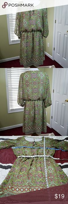 👗 Tacera paisley print dress Tacera paisley print dress.  In good condition.  Approximate measurement shown in pictures.  Has elastic waistline.  Materials shown in pictures. Tacera Dresses