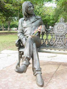 English: Statue of John Lennon in public park,. Informations About John Lennon Knew The Power Of T John Lennon Memorial, Statue En Bronze, Street Art, Bon Scott, Foto Poster, Les Beatles, Art Sculpture, Metal Sculptures, Photos Voyages