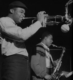 Freddie Hubbard - hard bop trumpet player - April 1938 - Freddie Hubbard and Wayne Shorter during Shorter's Speak No Evil session, Englewood Cliffs NJ, December 24 1964 - Photo by Francis Wolff Jazz Artists, Blues Artists, Jazz Musicians, Music Artists, Cool Jazz, Live Music, Good Music, Francis Wolff, Freddie Hubbard