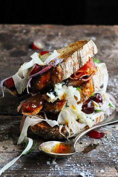 Ham, Grape, Celery, & Roquefort Sandwich Stack | Mais pourquoi est-ce que je vous raconte ça...