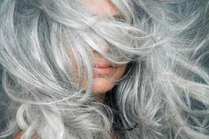 پوست پرتقال شکری شکلاتی یا کندی پرتقال؛ پاستیل پوست مرکبات • مجله تصویر زندگی Make Hair Grow Faster, How To Make Hair, Grow Hair, Grey Hair Care, Long Gray Hair, Grey Hair In 20s, What Causes Gray Hair, Grey Hair Looks, Shampoo For Gray Hair