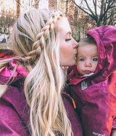 Lifestyle Archives - Barefoot Blonde by Amber Fillerup Clark Mom And Baby, Mommy And Me, Amber Fillerup Clark, Barefoot Blonde, Corte Y Color, Cute Family, Family Goals, Happy Family, Mothers Love