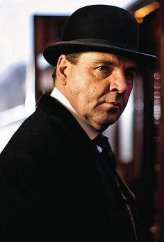 OK ladies, listen up: Downton Abbey's unlikely crush object John Bates is not married