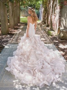 These gowns? An absolute dream. – Style Me Pretty
