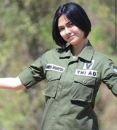 Beautiful Muslim Women, Beautiful Women Pictures, Beautiful Asian Girls, Female Army Soldier, Indonesian Women, Army Police, Girls Uniforms, Military Women, Asia Girl