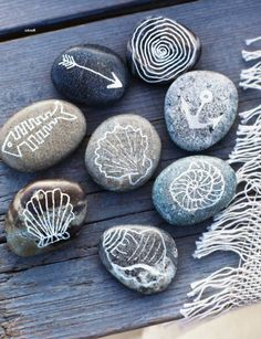 Coastal Decor, Beach & Nautical Decor, Crafts & Shopping: Decorate with Painted Beach Rocks Rock Crafts, Arts And Crafts, Diy Crafts, Decor Crafts, Deco Marine, Sweet Paul, Beach Crafts, Seashell Crafts, Pebble Art