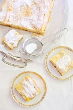 Plăcintă crocantă cu iaurt şi stafide   Bucate Aromate Camembert Cheese, Dairy, Food, Essen, Meals, Yemek, Eten