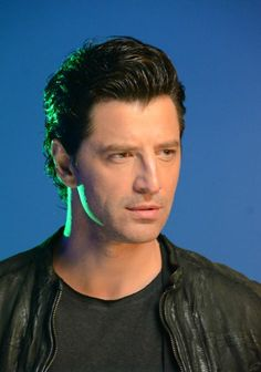 Sakis Rouvas... Gorgeous! Imagines, Video Clip, Beautiful People, Crushes, Mens Fashion, Lifestyle, Stars, My Love, Celebrities