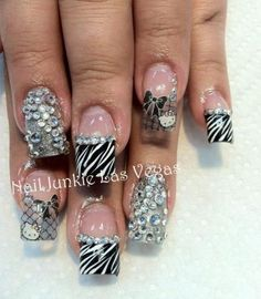 Hello Kitty - Nail Art Gallery by NAILS Magazine