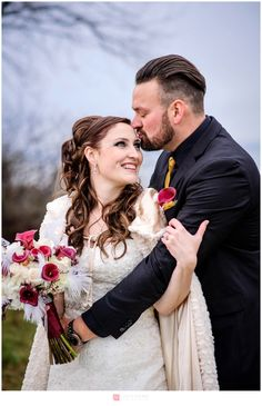 Mariage / Wedding – Bal masqué de  nuit / Masquerade Night backyard falls wedding – Sophie and Simon
