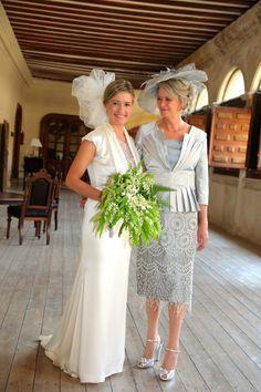 Real bride Maria wearing Homa's cage veil