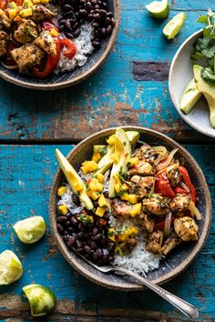 Sheet Pan Cuban Chicken and Black Bean Rice Bowl. (Half Baked Harvest) Sheet Pan Cuban Chicken and Black Bean Rice Bowl. Cuban Chicken, Today Is Monday, Monday Night, Clean Eating, Healthy Eating, Chicken Recipes, Healthy Chicken, Comida Latina, Cooking Recipes