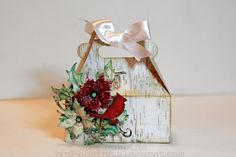 Sizzix Die Cutting Inspiration and Tips: Die Cutting Paper: Christmas Carry All Box