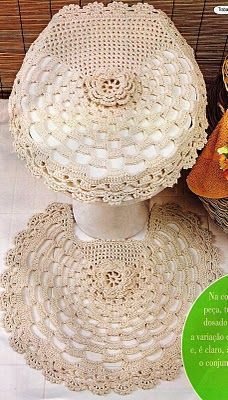 With pink woven crochet: bath set Crochet Home Decor, Crochet Crafts, Crochet Doilies, Crochet Projects, Love Crochet, Beautiful Crochet, Knit Crochet, Crochet Designs, Crochet Patterns