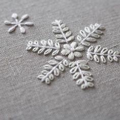 Best 11 Automatický alternatívny text nie je k dispozícii – Page 789748484634612547 Snowflake Embroidery, Tambour Embroidery, Embroidery Stitches Tutorial, Hand Embroidery Flowers, Hand Work Embroidery, Flower Embroidery Designs, Hand Embroidery Stitches, Beaded Embroidery, Cross Stitch Embroidery