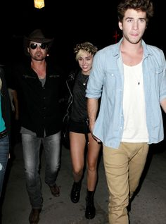Cele|bitchy | Billy Ray Cyrus told Miley to dump Liam Hemsworth or 'he'll boycott the wedding'