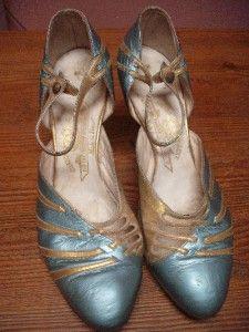 Antique vintage 1920s original Art Deco design blue gold shoes made in France