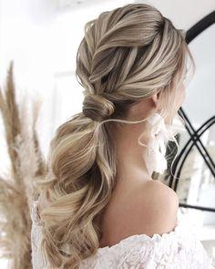 36 Hottest Bridesmaid Hairstyles For 2021 + Tips & Advice ❤ bridesmaid hairstyles ponytail simple low textured juliafratichelli.bridalstylist #weddingforward #wedding #bride #bridesmaidhairstyles #bridal beauty Bridesmaid Hair Down, Wedding Bridesmaids, Ponytail Hairstyles, Wedding Hairstyles, Bridesmaid Hairstyles, Big Barrel Curls, Elegant Updo, Hair Hacks, Hair Lengths