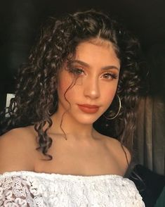hairstyles with bandana hair in spanish curly hairstyles hairstyles for prom are curly hair curly hairstyles curl hairstyles hairstyles 2020 Beauty Makeup, Hair Makeup, Hair Beauty, Eye Makeup, Witch Makeup, Pretty Hairstyles, Girl Hairstyles, Ponytail Hairstyles, Hair Inspo
