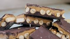 Got Salty-Sweet Cravings? Get Your Fix With These Chocolate Peanut Butter Pretzel Bars! Anything with pretzels & chocolate! Baked Pretzels, Peanut Butter Pretzel, Peanut Butter Chocolate Bars, Semi Sweet Chocolate Chips, Chocolate Peanuts, Chocolate Desserts, Just Desserts, Delicious Desserts, Bon Appetit