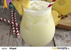 Piña colada (podle IBA) recept - TopRecepty.cz Pi A, Lemonade Cocktail, Beverages, Drinks, Mojito, Glass Of Milk, Smoothies, Food And Drink, Cocktails