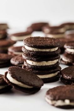 Once you see how easy it is to make homemade Oreos, you may never buy store-bought again! They are the even-better than the real thing! Homemade Oreo Cookies, Oreo Cookie Recipes, Oreo Dessert, Most Delicious Recipe, Oreo Cheesecake, Estilo Boho, Fun Cupcakes, Vegetarian Chocolate, Sweet Bread