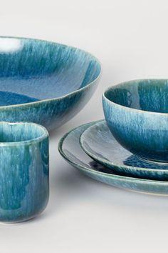 Tallerken i stentøj - Blågrøn - Home All Blue Plates, Plates And Bowls, Stoneware Mugs, Ceramic Plates, Set Assiette, Kitchenware, Tableware, Crockery Set, H & M Home