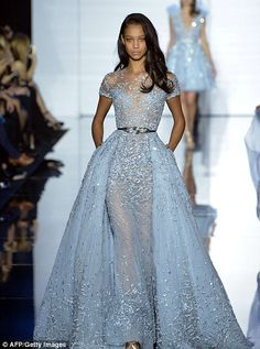Browse photos of Zuhair Murad evening wear and haute couture. View eveningwear photos from the Spring 2015 Zuhair Murad haute couture collection. Style Couture, Couture Fashion, Runway Fashion, Paris Fashion, Luxury Fashion, Dress Fashion, Fashion Room, Fashion Spring, Evening Dresses