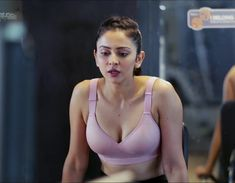 Rakul Preet Singh look gorgeous during her recent gym workout session for Sophie Choudry new fitness show called Work It Up With Sophie. Cinema Actress, Indian Film Actress, South Indian Actress, Indian Actresses, Bollywood Actress Hot, Bollywood Stars, Bollywood Celebrities, Glamour Photo Shoot, Most Beautiful Indian Actress